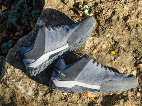 climbing shoe guide one shoe to hike and climb five ten guide tennie review