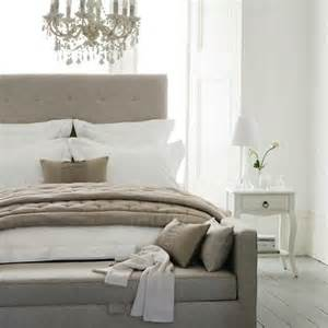 Neutral Bedroom Ideas Bedroom Decorating Ideas Going Neutral Dezignable