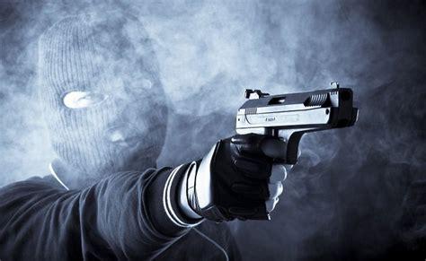 who is the killer 10 serial killer cops