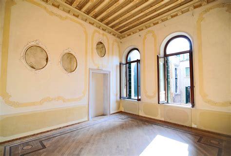 decorare soffitto 6 idee creative per decorare il soffitto di casa engel