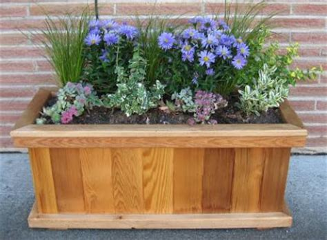 lada piante garden and beyond building wooden planter box