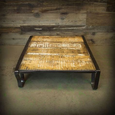 Painted Pallet Coffee Table Painted Pallet Coffee Table Www Imgkid The Image Kid Has It