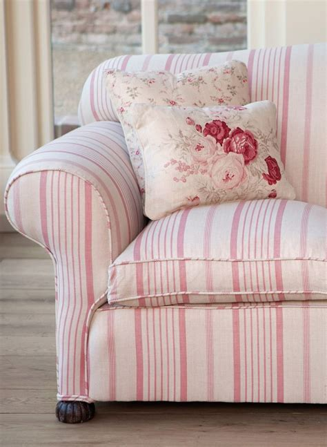 pink sofa cushions 25 best ideas about floral sofa on pinterest timorous
