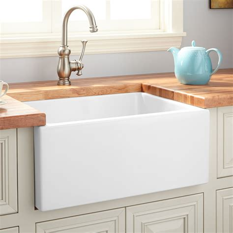 Fireclay Kitchen Sinks by 24 Quot Fireclay Reversible Farmhouse Sink Smooth