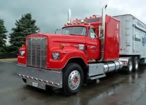 Dodge Semi Trucks Schroyer S 1974 Dodge Big Horn Semi Time Trucks