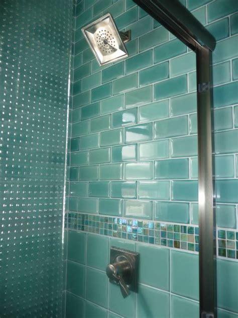 aqua glass tile bathrooms 125 best glass tile obsession images on pinterest