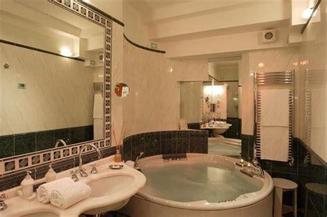 hotel vasca idromassaggio doppia bagno in junior suite suite con vasca idromassaggio