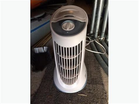 Honeywell QuietClean Compact Tower Air Purifier with Permanent Filter, HFD 010 Saanich, Victoria