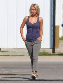 julianne hough safe haircut julianne hough on the set of safe haven 09 gotceleb
