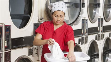 what is the description of a laundry attendant reference