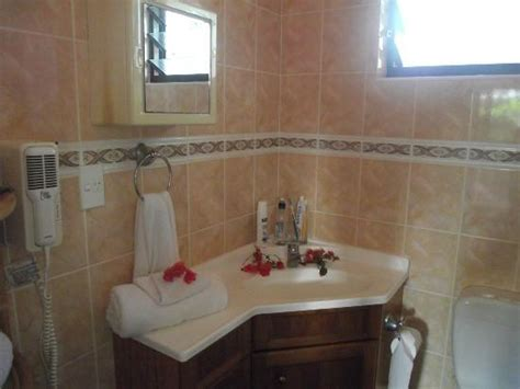 bella bathrooms reviews bella beach bungalows updated 2017 prices villa