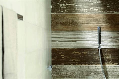 bathroom tiles that look like wood 30 pictures of porcelain wood tile in a bathroom