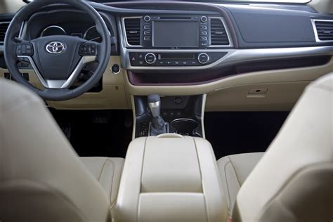 2014 Toyota Highlander Interior Dimensions by Interior Dimensions 2014 Highlander Vs 2014 Explorer