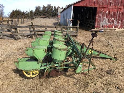 Bigiron Deere 1240 Planter