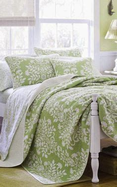 moss green bedroom 1000 ideas about lime green bedding on pinterest green