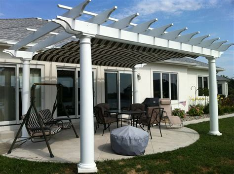 Pergola With Retractable Awning by 12 Best Images About Pergolas With Retractable Awnings On