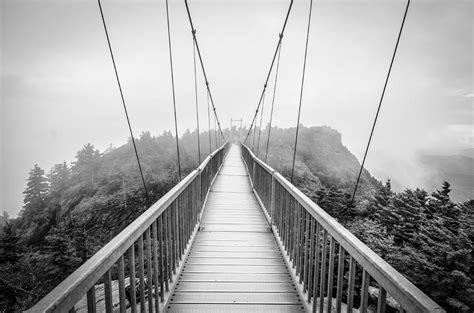 blue ridge swinging bridge grandfather mountain blue ridge parkway nc swinging bridge