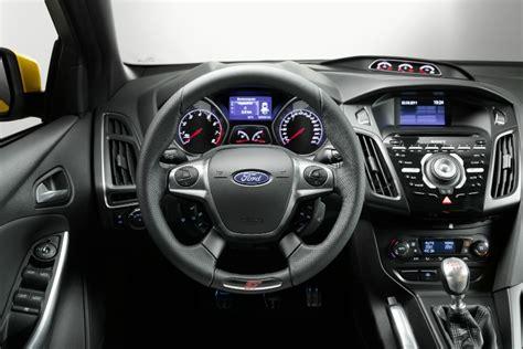 focus interni nuova ford focus st immagini ufficiali prestazioni e