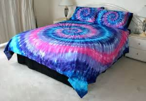 Tie Dye Duvet Cover Diy Blue Amp Pink Tie Dye Bedspread Cuddly Pinterest Blue