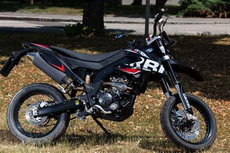 50ccm Motorrad Supermoto by Derbi Drd 125 Sm Testbericht