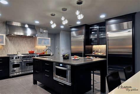 стильный дизайн кухни с холодильником выбираем место под