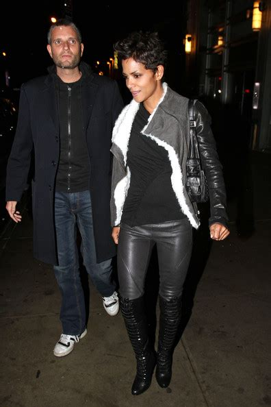 Halle Berry Gets On Knees For A by More Pics Of Halle Berry The Knee Boots 6 Of 17