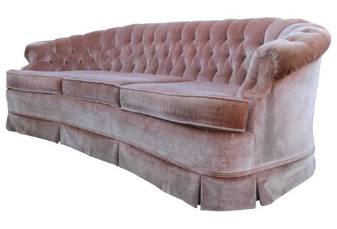 1960s Tufted Pink Velvet Chesterfield Sofa At 1stdibs Pink Tufted Sofa
