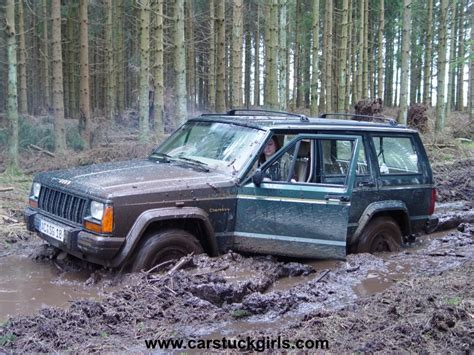 jeep stuck in mud jeep cherokee stuck in mud
