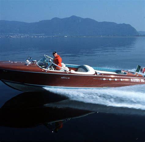 motorboot hersteller motorboot legende eine riva muss man mit allen sinnen