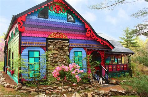 rainbow house artist kat o sullivan turns historic farm house into psychedelic home daily mail online