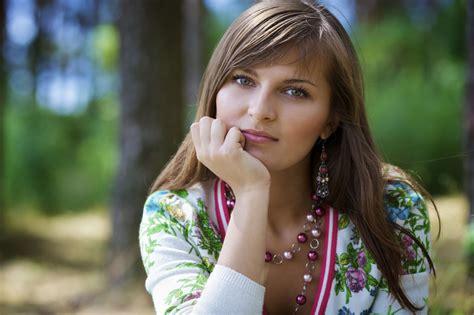 fonds decran femmes jolie visage