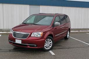 Reviews Chrysler Town And Country 2016 Chrysler Town And Country Review Autoguide News
