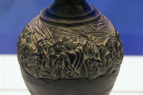 Harvester Vase by Alberti S Window An History
