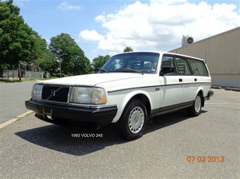 buy   volvo  base wagon  door   owner   row seat clean serviced  rahway