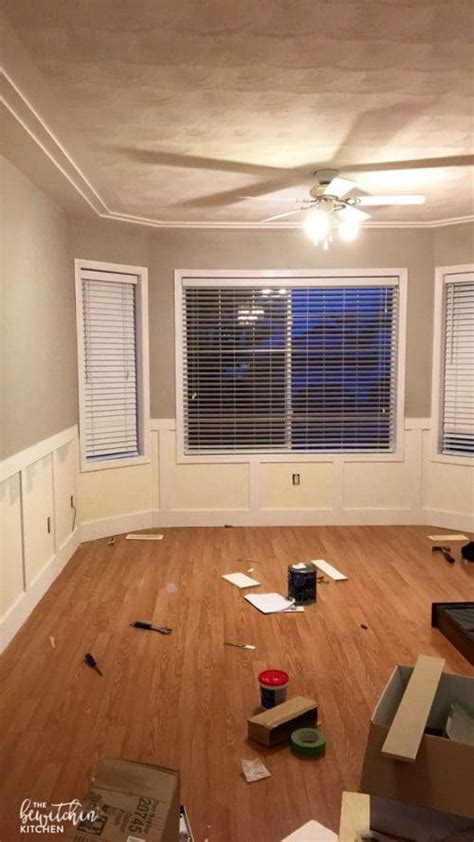 Wainscoting In The Kitchen by Easy Diy Wainscoting The Bewitchin Kitchen