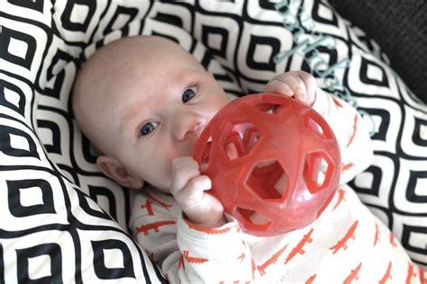 speelgoed baby 3 maanden favoriete speelgoed van maddox baby 3 maanden mommyhood