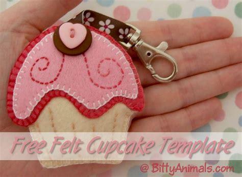 felt keyring pattern bittyanimals com free felt cupcake tutoruial and template