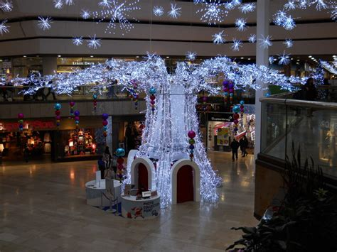christmas lights in the queensgate 169 paul bryan