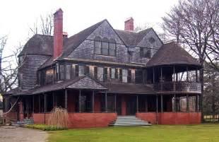 ri homes for file isaac bell house newport ri jpg wikimedia commons