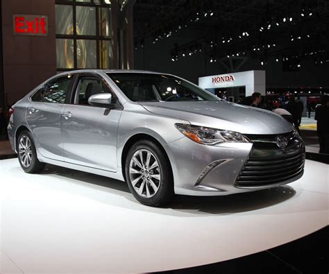 2017 toyota camry price configurations release date