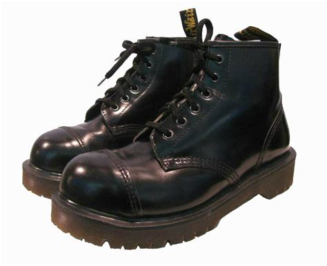 vintage 6 eyelet steel toe dr marten boots from womens
