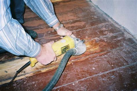brandlöcher im pvc boden entfernen farbe f 252 r garagenboden material und farbe die