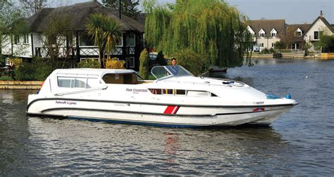 boats norfolk broads fair majesty boating holidays norfolk broads direct