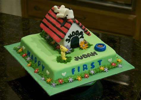 dog house cake snoopy dog house birthday cake cake designs pinterest
