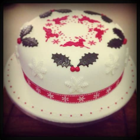 christmas cake with royal icing stencil design reindeer