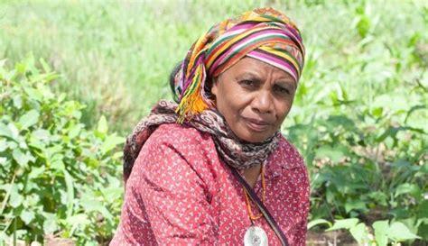 Tanda Jasa Seroja Timor Timor Ntt aleta baun perempuan pahlawan lingkungan dari ntt us