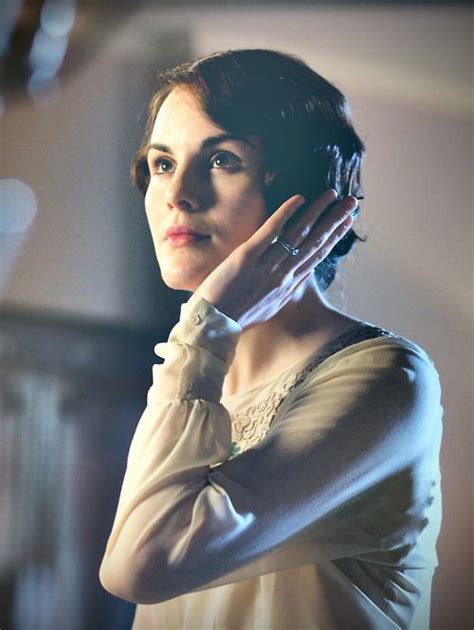 mary crawlley new hairdo lady mary crawley in her new bob haircut after all it is