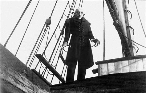 classic horror movies thatll give   creeps