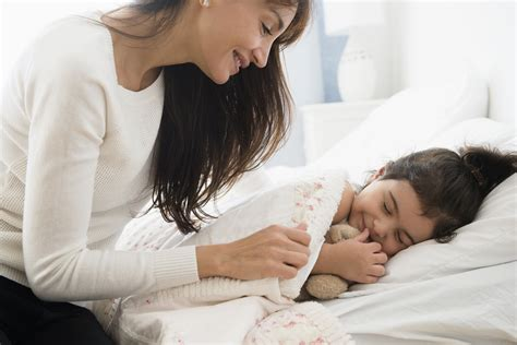 how to get in bed with your mom 10 bedtime routines that help children sleep