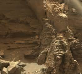 what gives mars its color stunning new images of mars from the curiosity rover